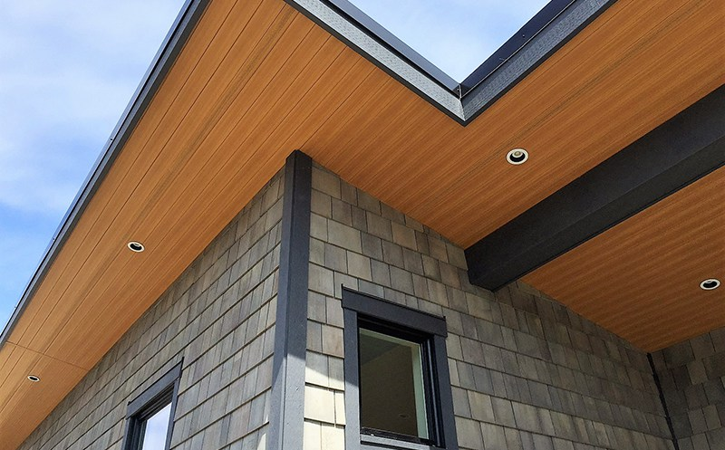 7 Popular Siding Materials To Consider: SAGIPER-North-America-Vancouver-Island-Cottage-6